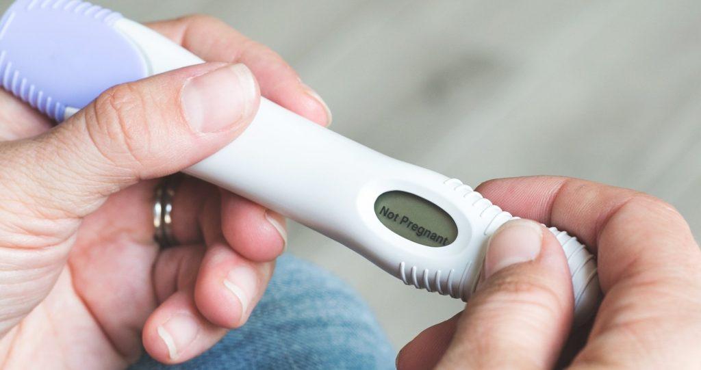Negatív terhességi teszt - meddőség, lombik, terhességi teszt, stressz, szorongás, IVF, nem jön a baba